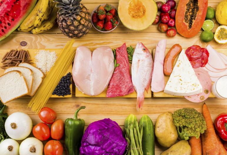 La pirámide alimenticia recoge la clasificación de los alimentos como base de una dieta equilibrada (iStock)